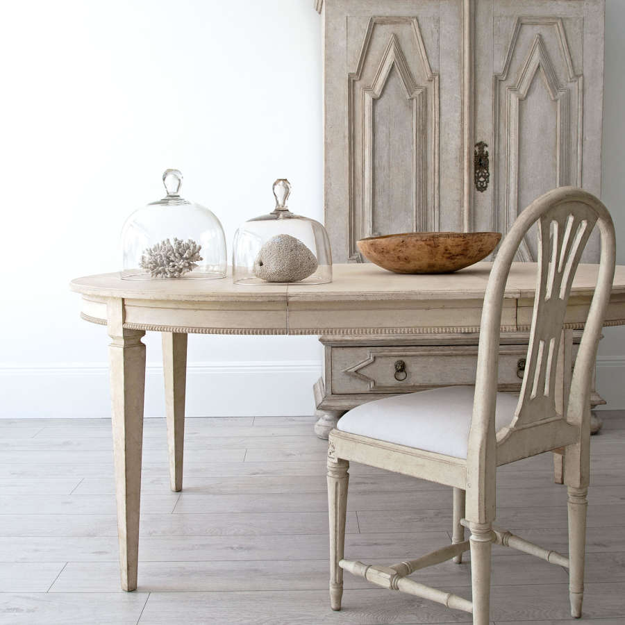 BESPOKE TABLE COLLECTION