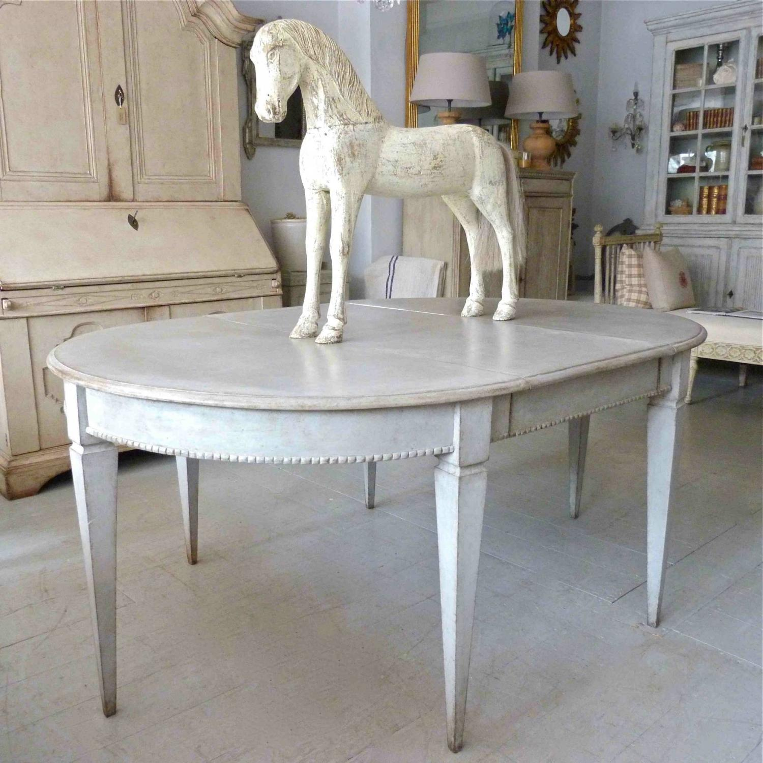 Antique Swedish Gustavian Style Dining Table In Antique