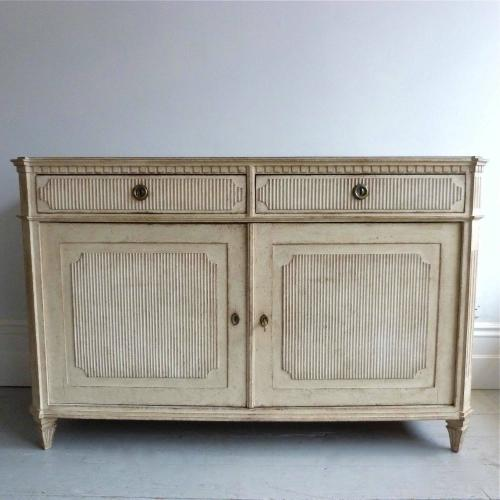 FINE LATE 19TH CENTURY GUSTAVIAN STYLE SIDEBOARD