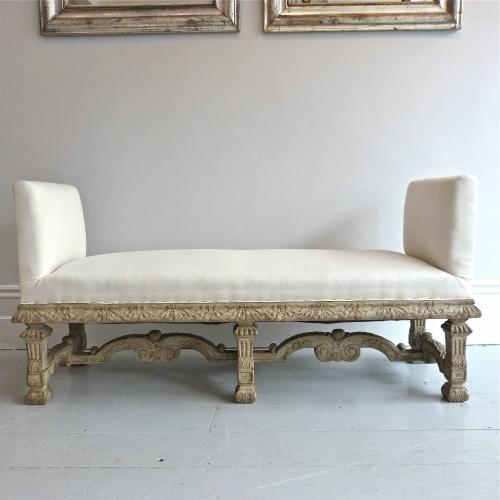 19TH CENTURY ITALIAN BAROQUE STYLE DAYBED