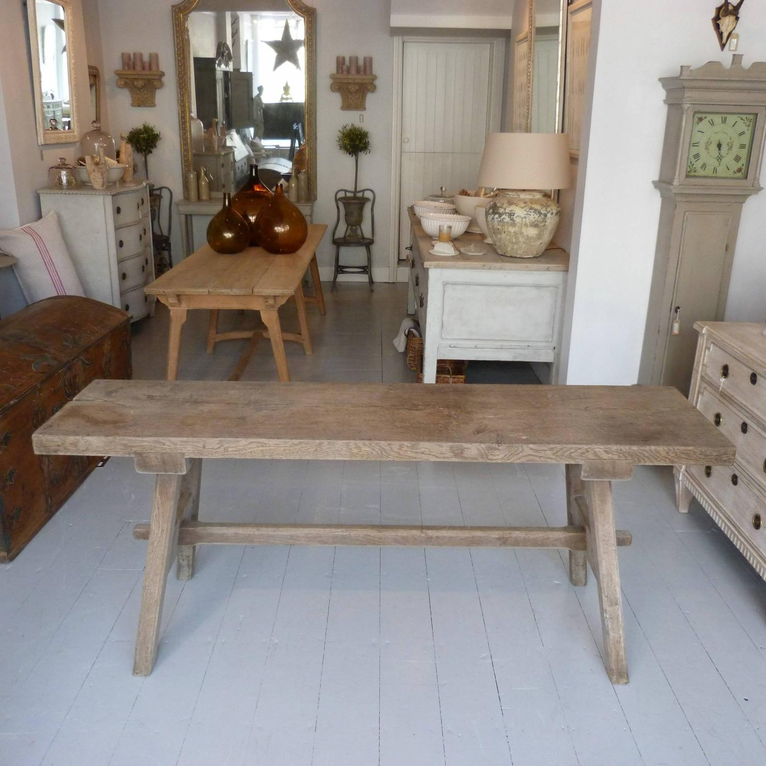 ... 19TH CENTURY FRENCH OAK TRESTLE CONSOLE TABLE   Picture 4 ...