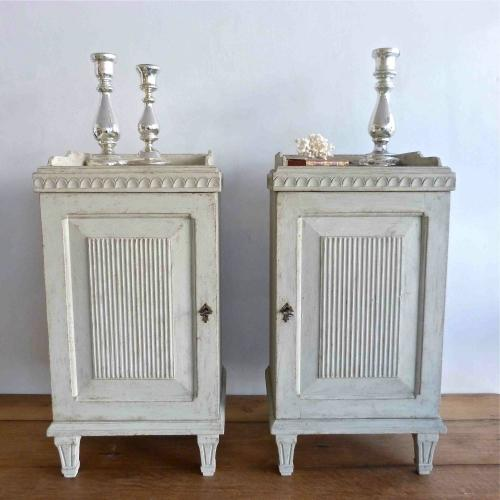 A PAIR OF SWEDISH GUSTAVIAN STYLE BEDSIDE CABINETS