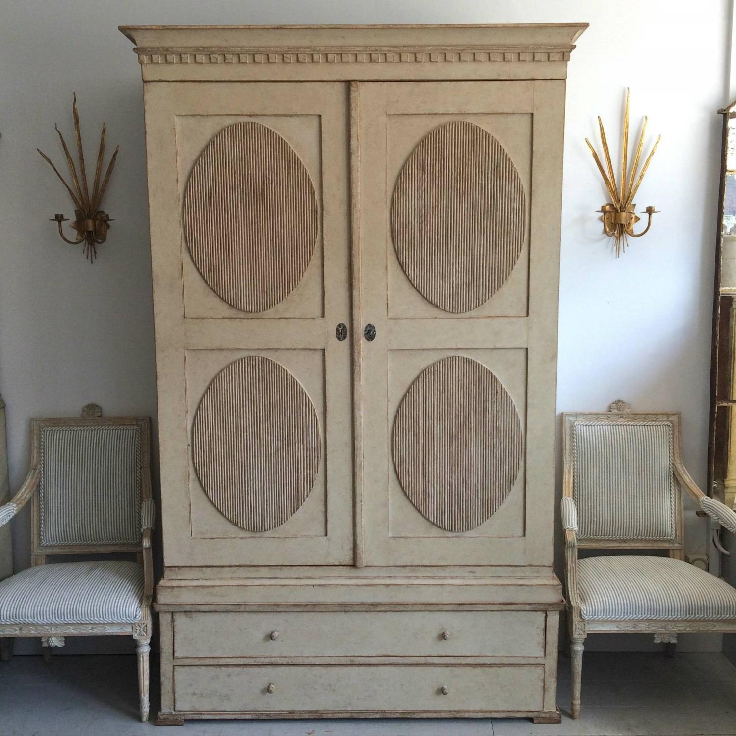 EXCEPTIONAL 19TH CENTURY SWEDISH GUSTAVIAN LINEN PRESS