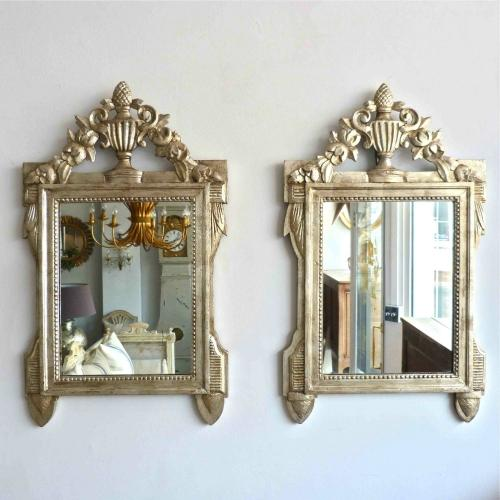 STUNNING PAIR OF HAND CARVED ITALIAN MIRRORS