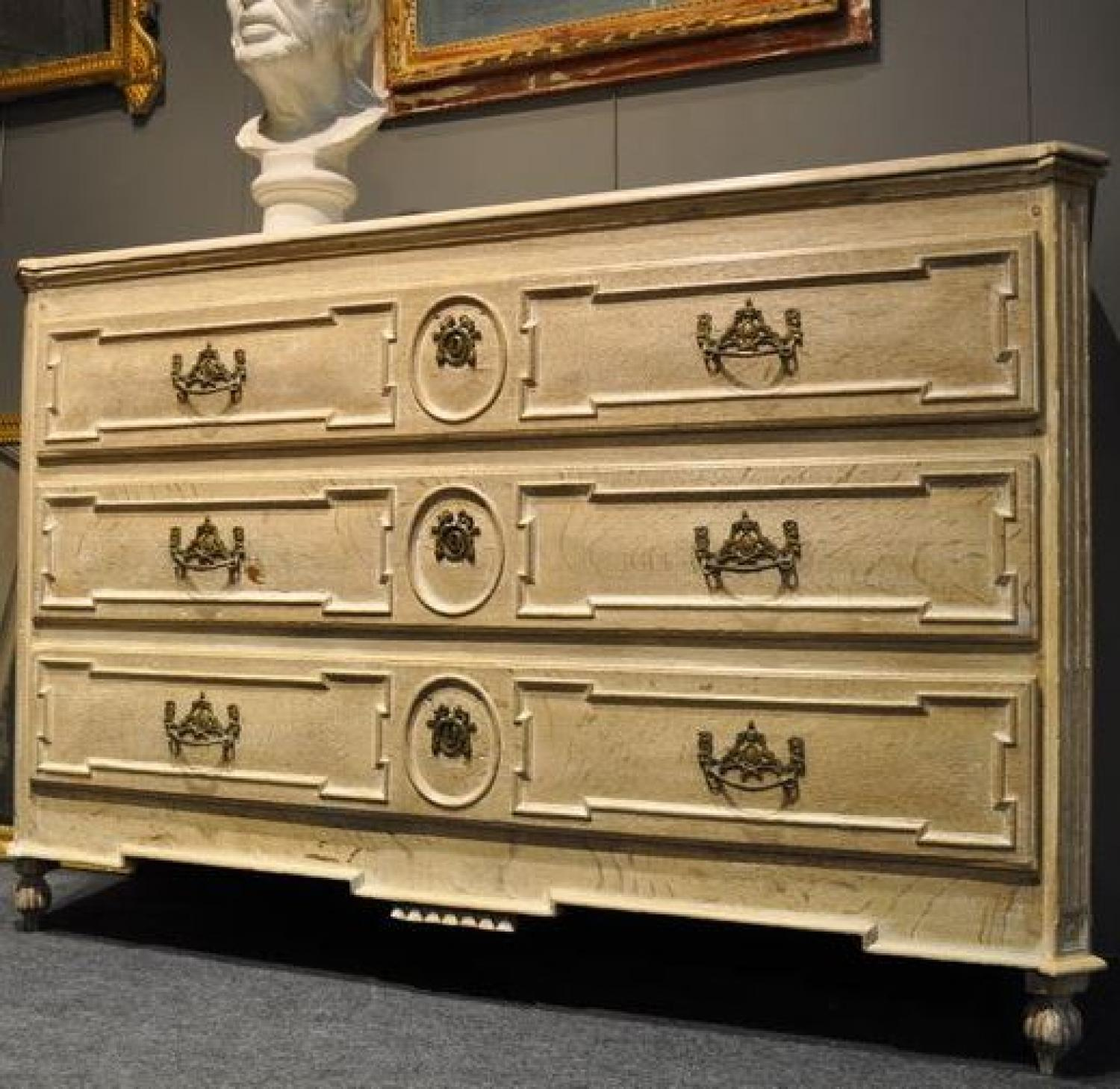 18TH CENTURY LOUIS XVI LIMED OAK CHEST OF DRAWERS
