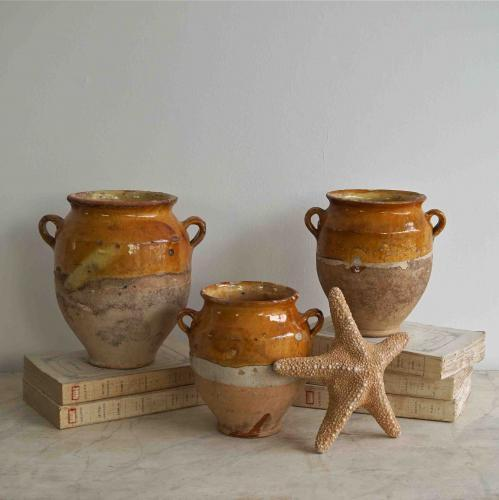 COLLECTION OF CARAMEL GLAZED CONFIT POTS