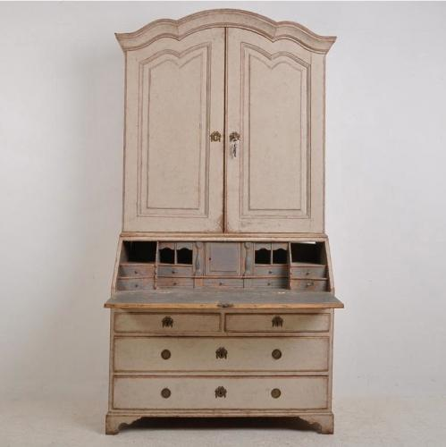 MAGNIFICENT GRAND SCALE GUSTAVIAN PERIOD SECRETAIRE