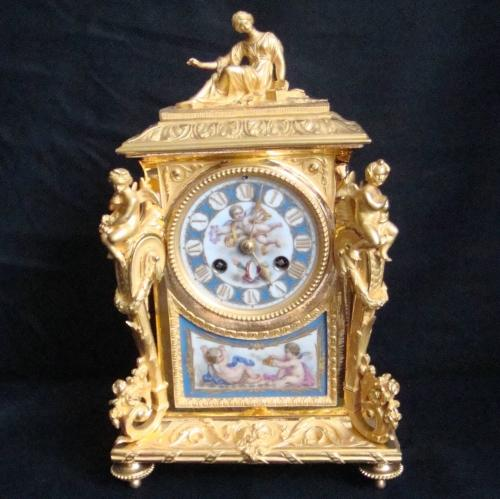 19TH CENTURY FRENCH ORMOLU & PORCELAIN MANTLE CLOCK