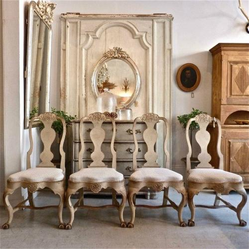 SET OF FOUR 19TH CENTURY SWEDISH ROCOCO STYLE CHAIRS