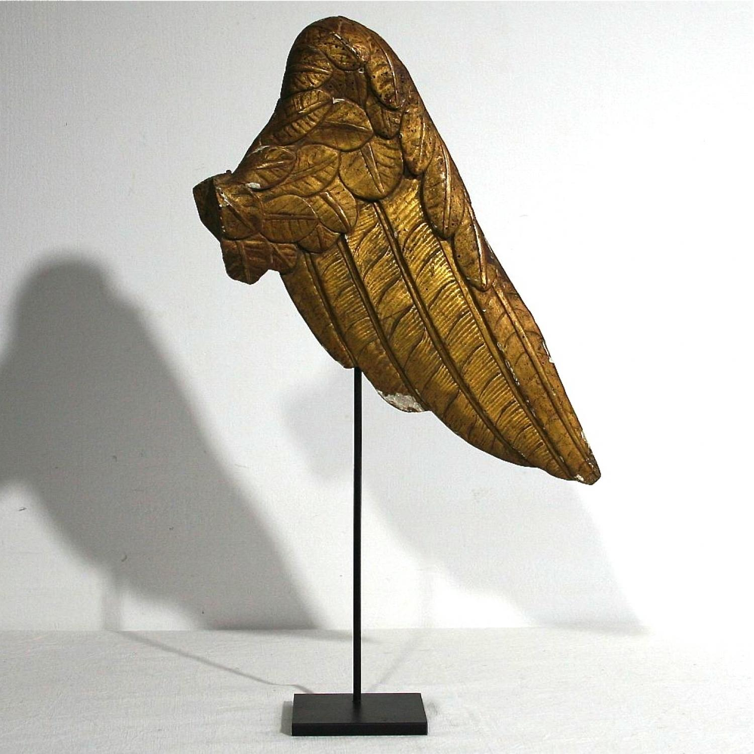 WONDERFUL 18TH CENTURY ITALIAN GILDED ANGEL WING