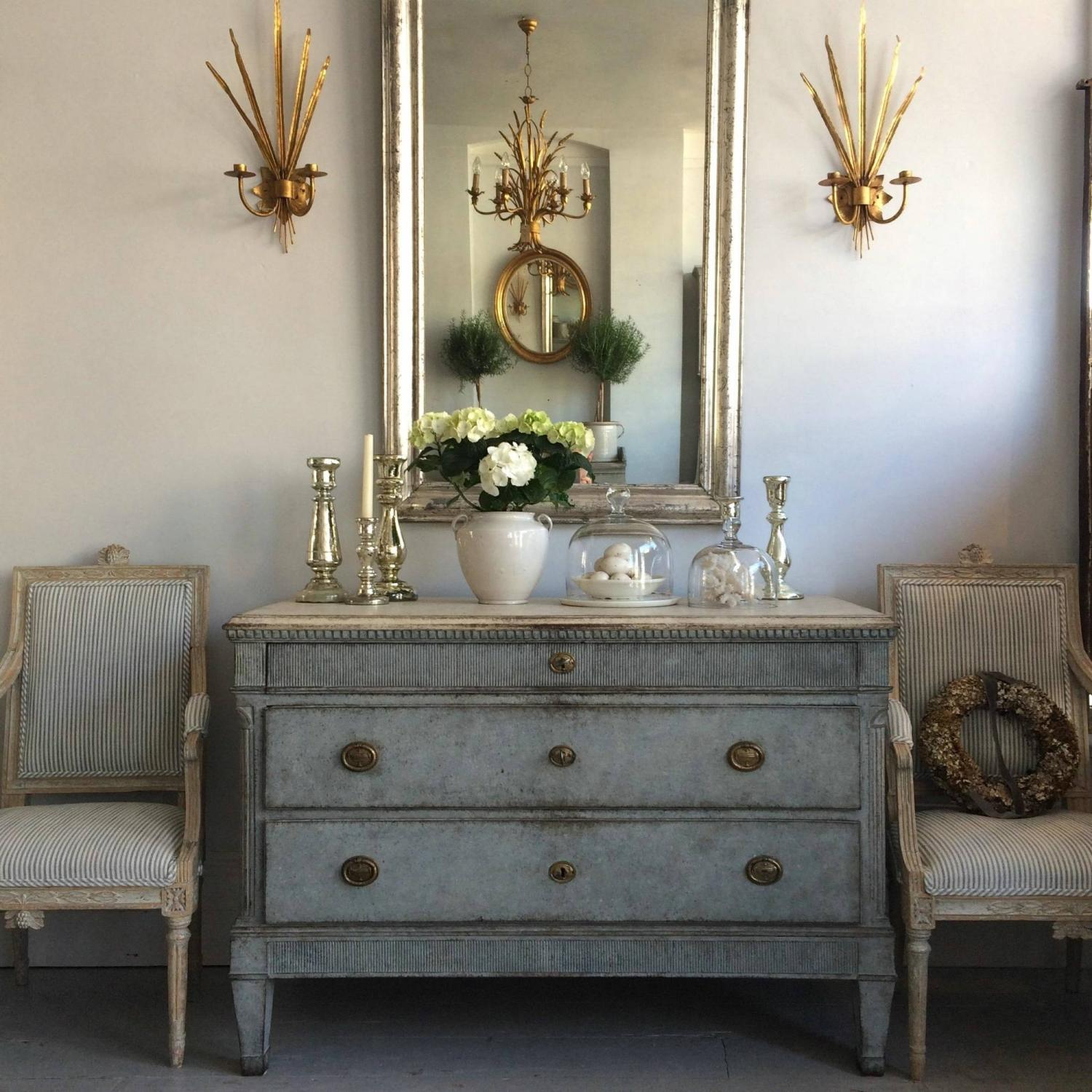 HANDSOME SCANDINAVIAN CHEST IN THE GUSTAVIAN STYLE