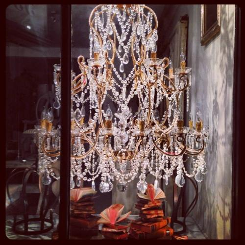 INCREDIBLE 5FT TALL BEADED & DROPLET CHANDELIER