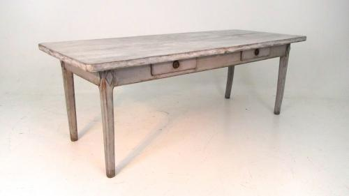 18TH CENTURY SWEDISH GUSTAVIAN DINING TABLE