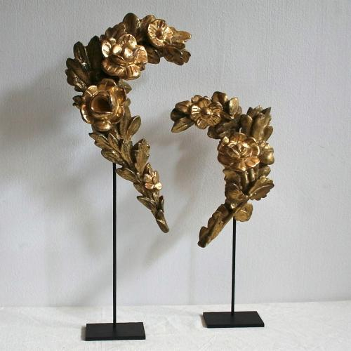 PAIR OF 18TH CENTURY ITALIAN BAROQUE GUIRLANDES