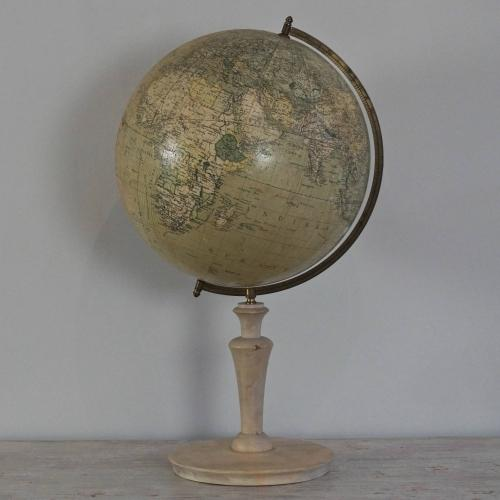 EARLY 20TH CENTURY SWEDISH GLOBE BY DR. NEUSE