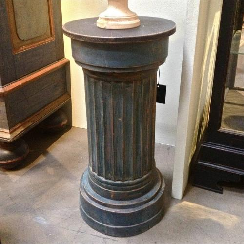 19TH CENTURY SWEDISH GUSTAVIAN STYLE PEDESTAL