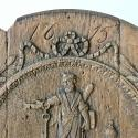 SAINT PETRUS CARVED OAK ROUNDEL DATED 1615 - picture 2