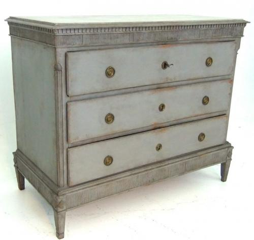 18TH CENTURY DANISH GUSTAVIAN CHEST