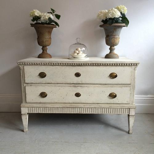 LARGE 19TH CENTURY GUSTAVIAN STYLE CHEST