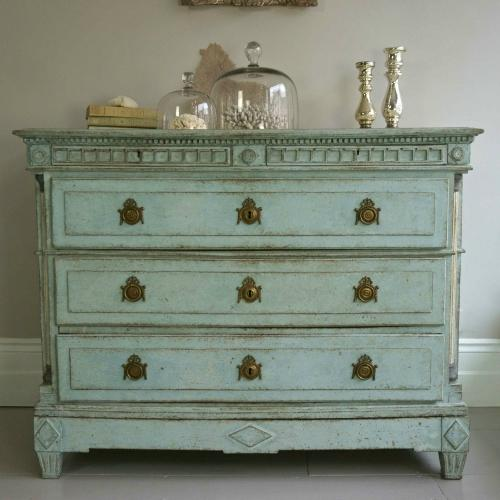 MAGNIFICENT 18TH CENTURY DANISH GUSTAVIAN CHEST
