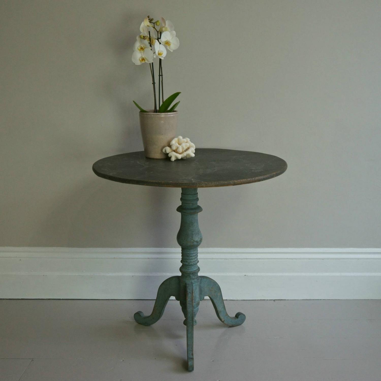 SWEDISH GUSTAVIAN PERIOD TILT-TOP LAMP TABLE