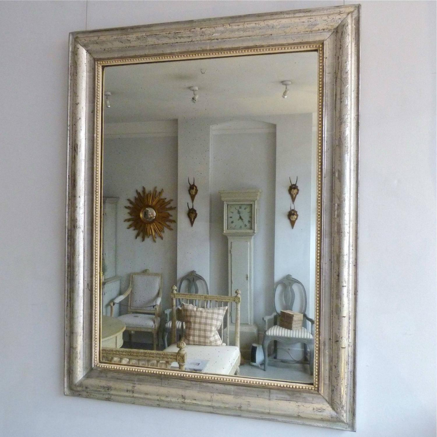SILVER LOUIS PHILIPPE MIRROR WITH BEADED FRAME