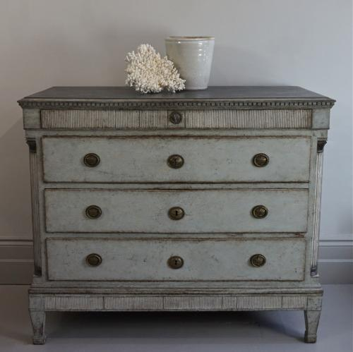 MAGNIFICENT LATE GUSTAVIAN PERIOD CHEST