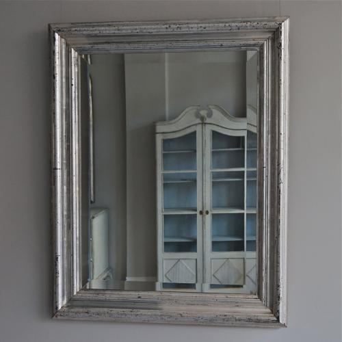 VERY FINE SILVER MIRROR WITH BEVELLED GLASS