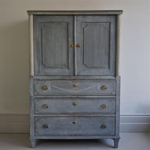 RICHLY CARVED GUSTAVIAN CABINET