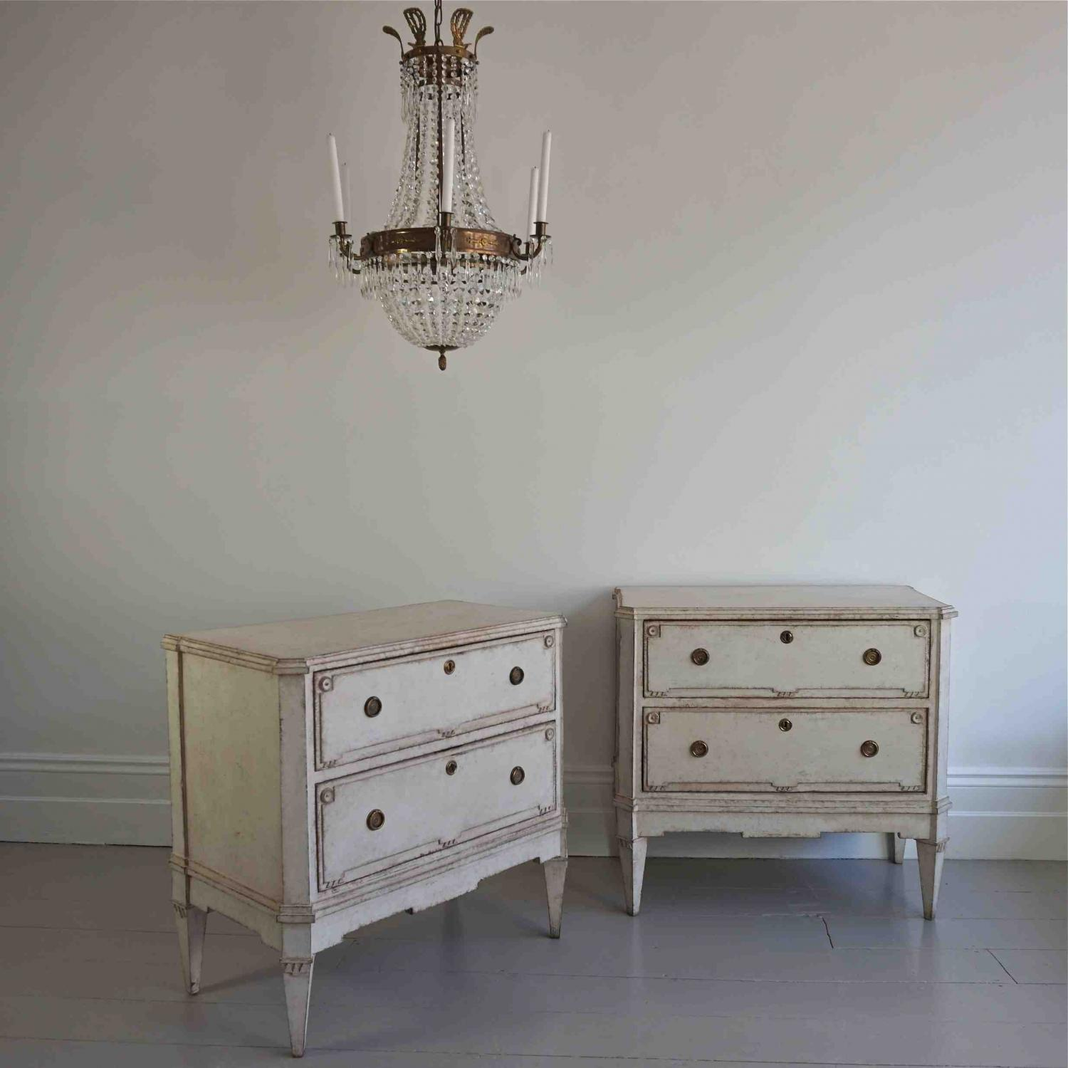 PAIR OF VERY FINE SWEDISH BEDSIDE CHESTS