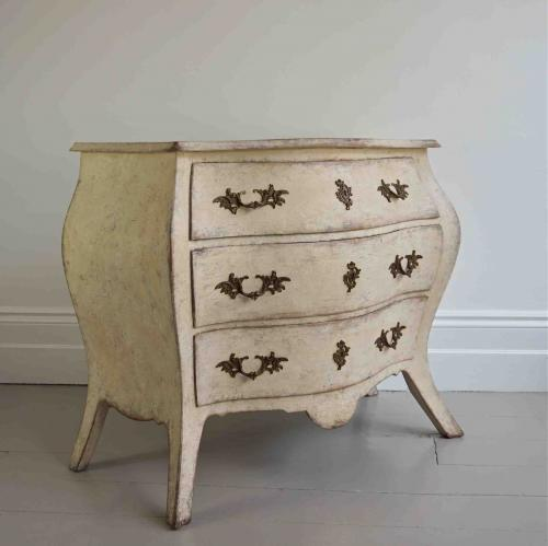 BEAUTIFUL SWEDISH ANTIQUE BOMBE COMMODE