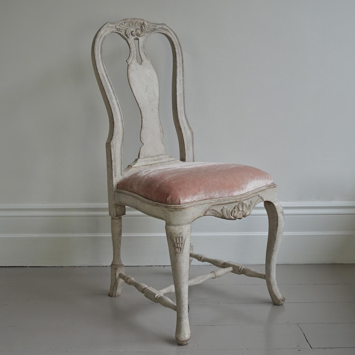 RICHLY CARVED SWEDISH ROCOCO SIDE CHAIR