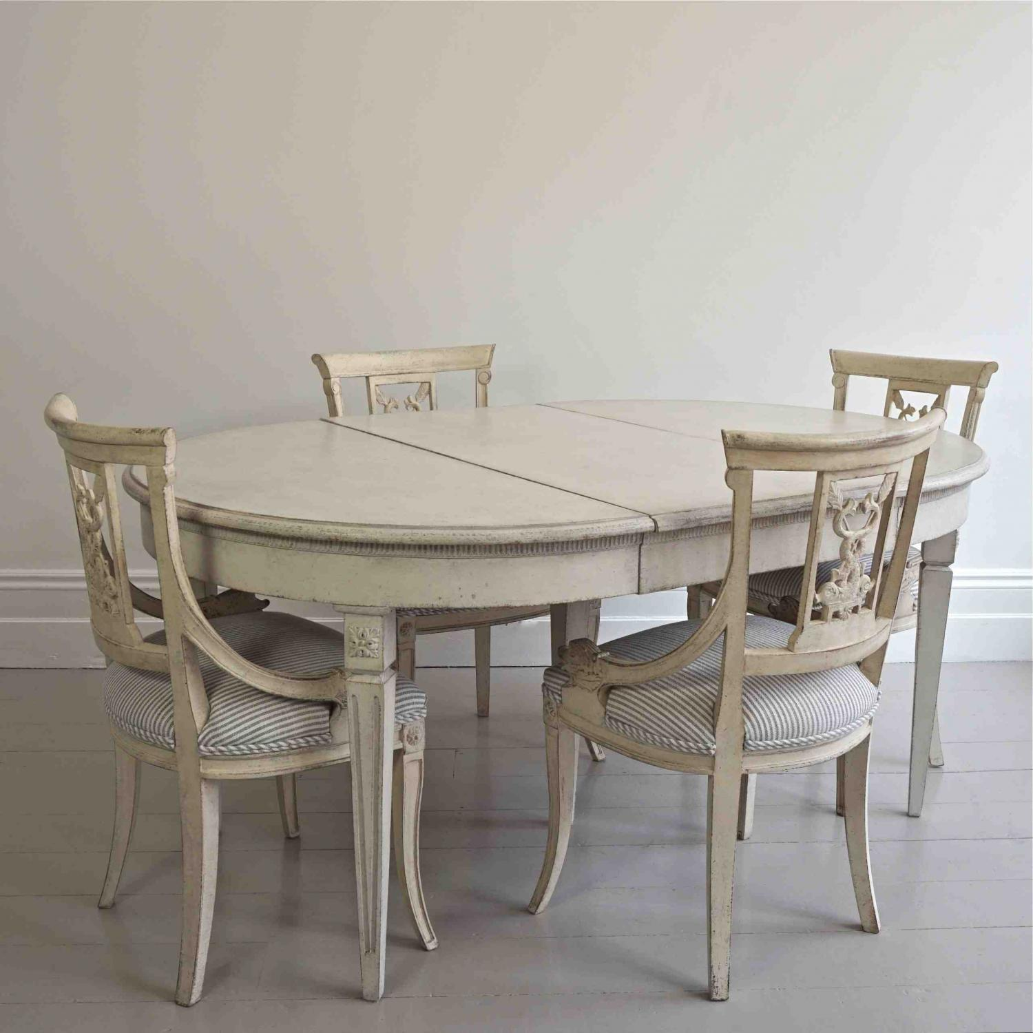 SWEDISH GUSTAVIAN STYLE DINING TABLE