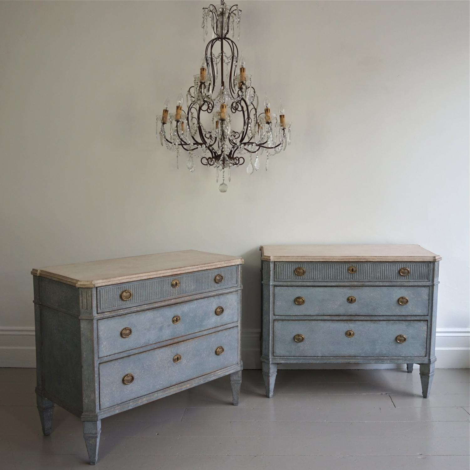 OUSTANDING PAIR OF GUSTAVIAN STYLE CHESTS