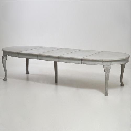 MAGNIFICENT 19TH CENTURY SWEDISH DINING TABLE