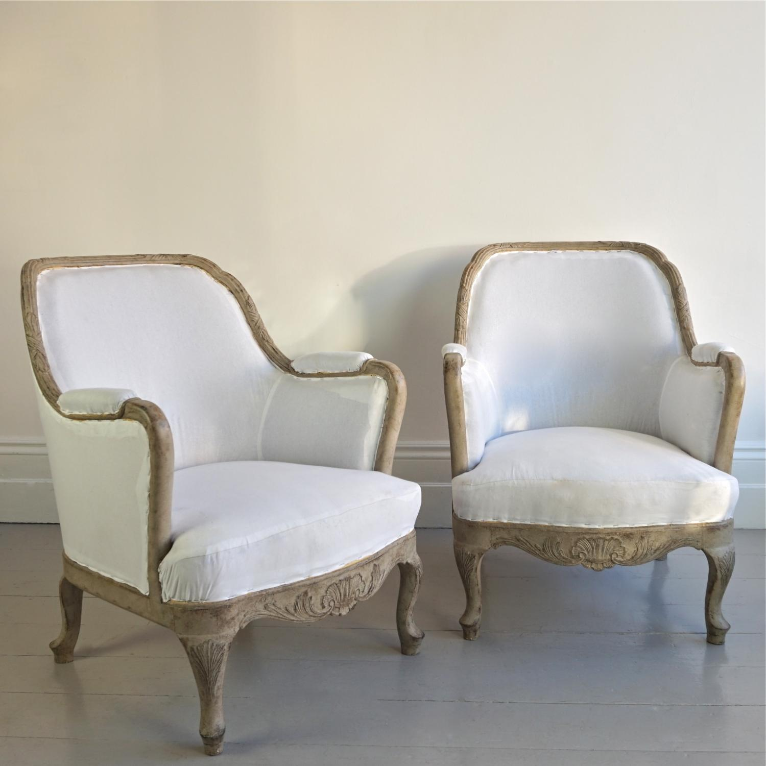 SUPERB PAIR OF SWEDISH ROCOCO BERGERE