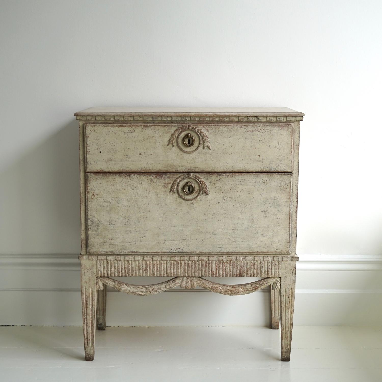 EXCEPTIONAL GUSTAVIAN STYLE BEDSIDE CHEST