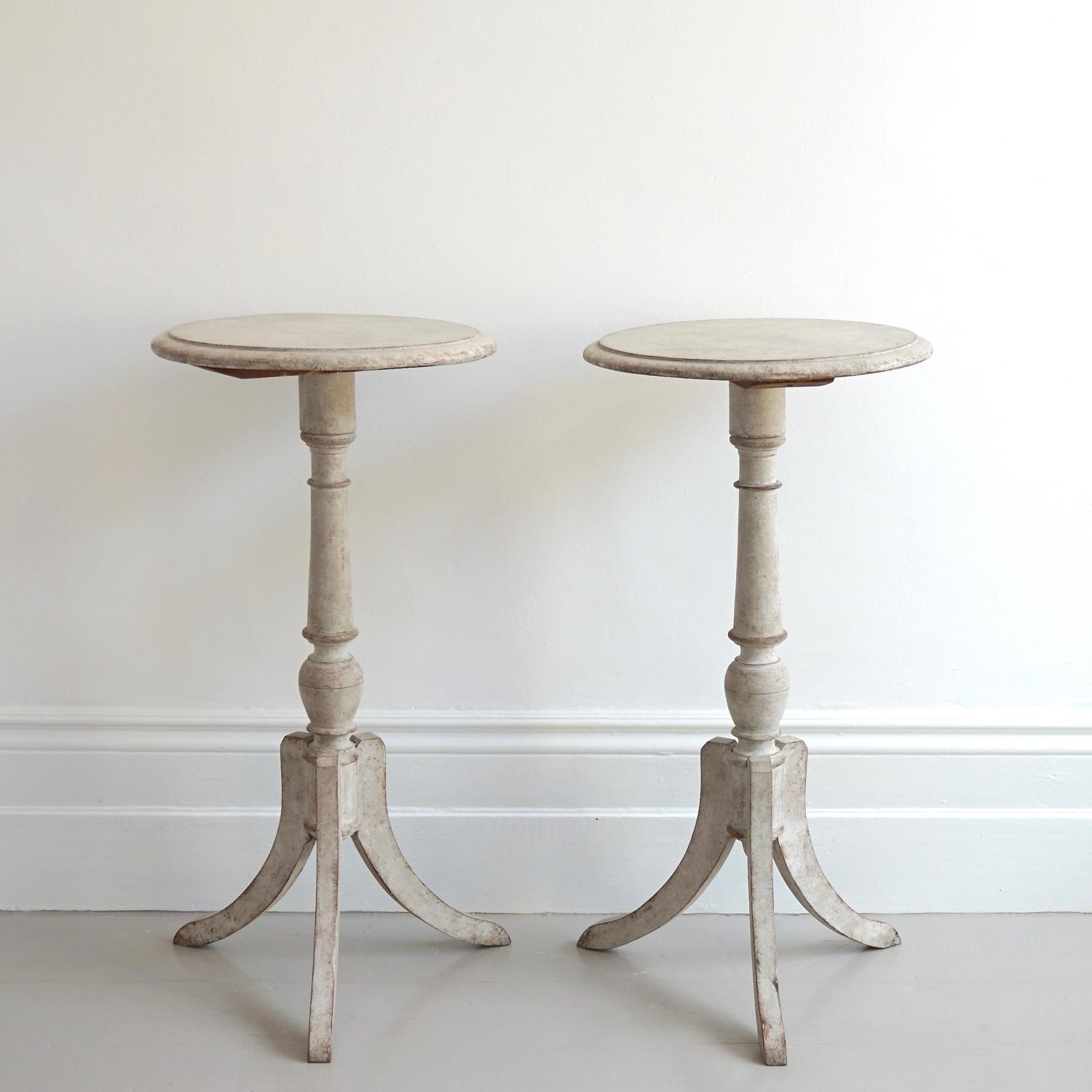 PAIR OF 19TH CENTURY GUSTAVIAN STYLE SIDE TABLES