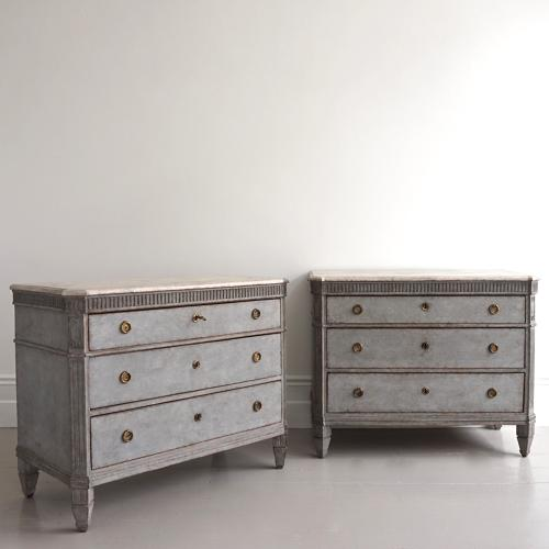 OUTSTANDING PAIR OF GUSTAVIAN STYLE CHESTS