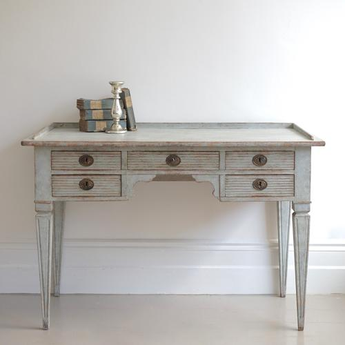 CHARMING SWEDISH GUSTAVIAN WRITING DESK