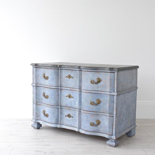 18TH CENTURY SWEDISH BAROQUE CHEST