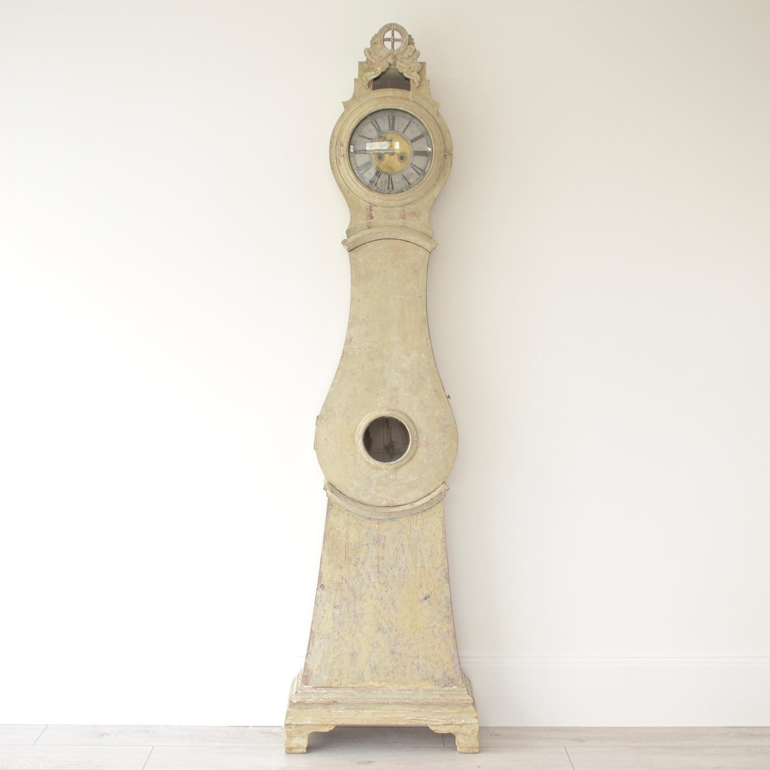 MAGNIFICENT SWEDISH ROCOCO CLOCK IN ORIGINAL PAINT