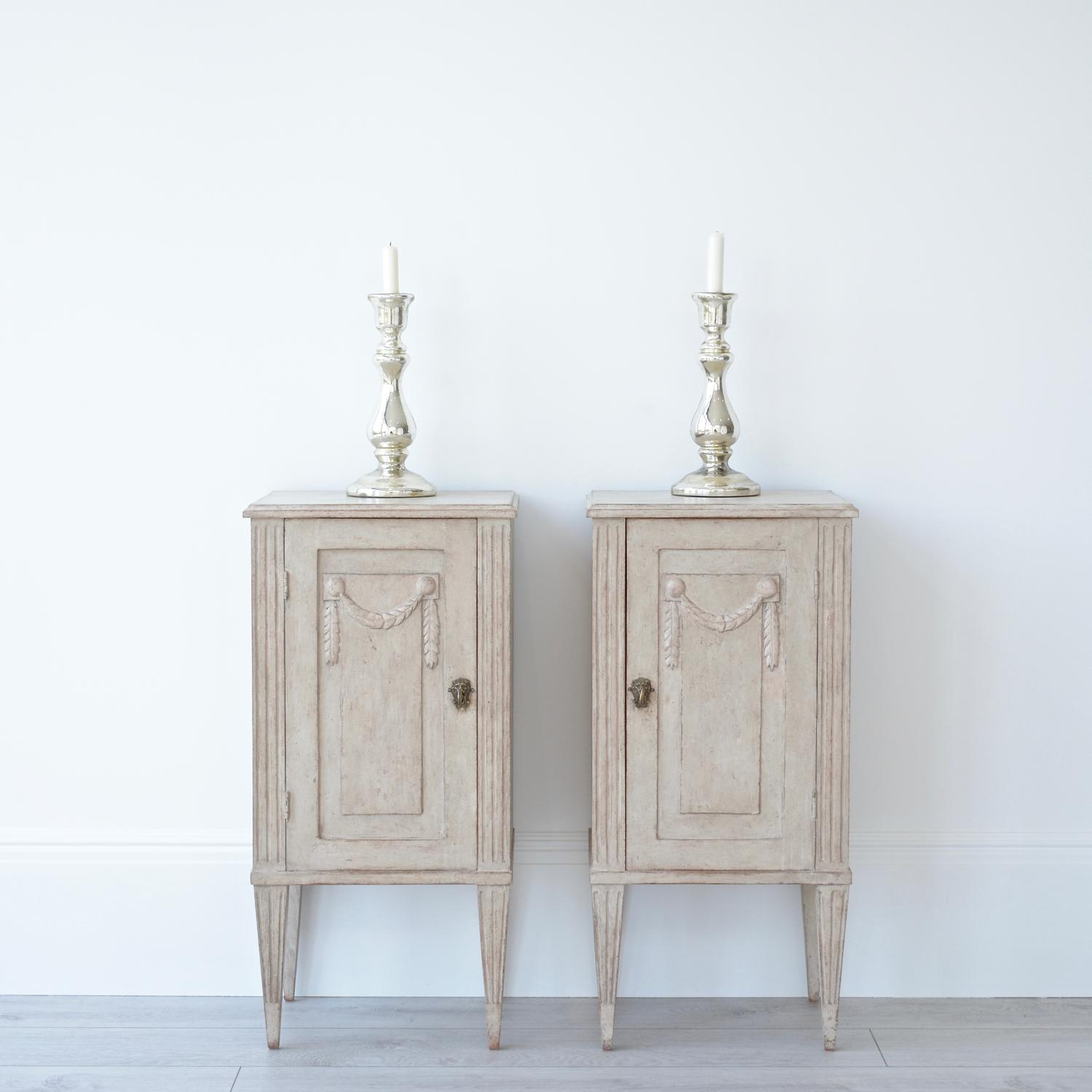 DECORATIVE PAIR OF SWEDISH GUSTAVIAN BEDSIDE CABINETS