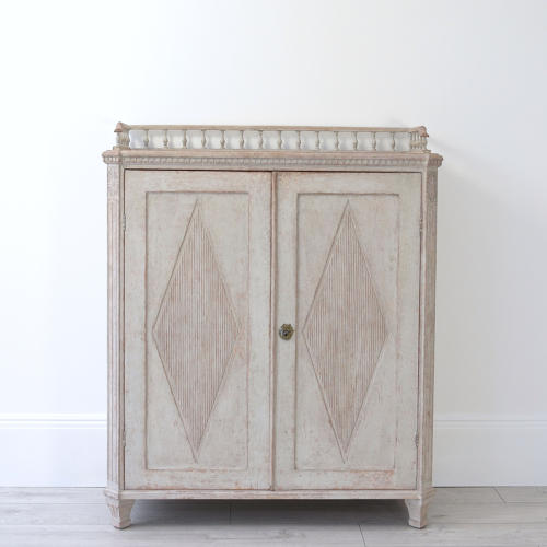 DECORATIVE SWEDISH GUSTAVIAN STYLE SIDEBOARD