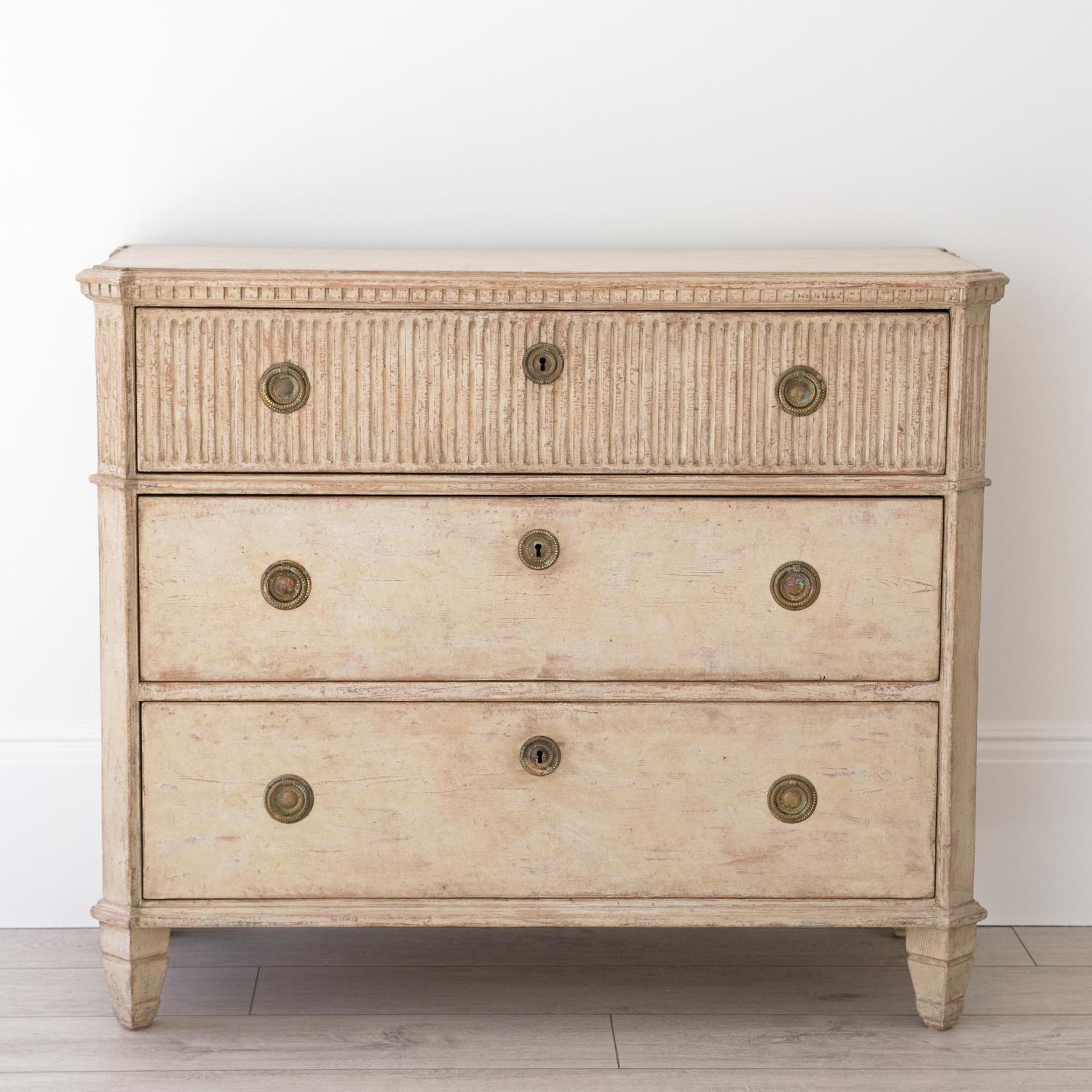 MID 19TH CENTURY SWEDISH GUSTAVIAN STYLE CHEST