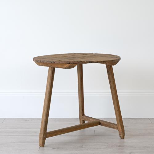 RARE 18TH CENTURY RUSTIC OAK CRICKET TABLE