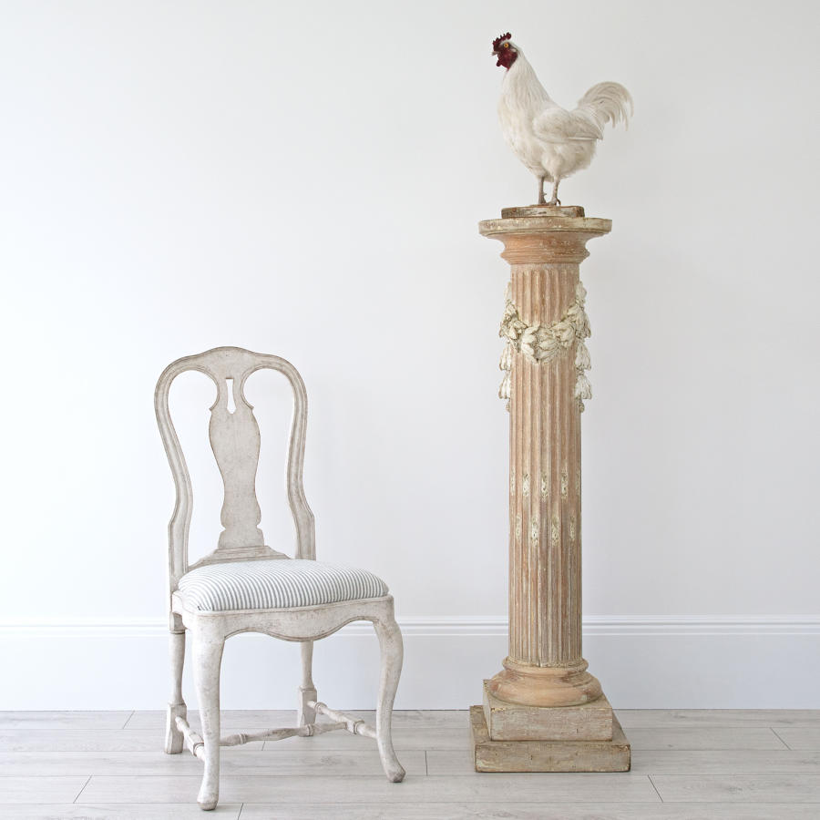 SWEDISH NEOCLASSICAL PEDESTAL IN ORIGINAL COLOUR