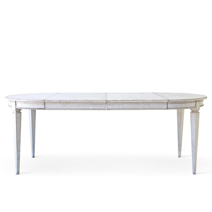 MÄRTA GUSTAVIAN DINING TABLE
