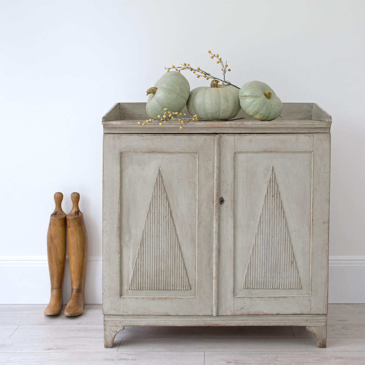 LATE 18TH CENTURY GUSTAVIAN PERIOD SWEDISH SIDEBOARD
