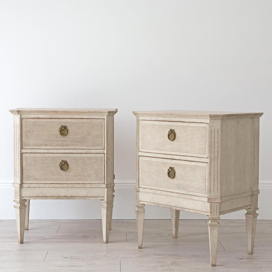 PAIR OF BESPOKE BEDSIDE CHESTS